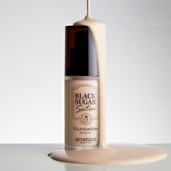 Skinfood - Black Sugar Satin Foundation số 21 Spf20PA+